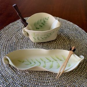 Hilborn Pottery set/2 olive dish & pinch pot NWOT